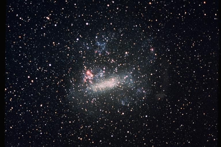 Большое магеланово Облако. NASA/Ames Research Center [Public domain]. Можно рассмотреть в любительский телескоп
