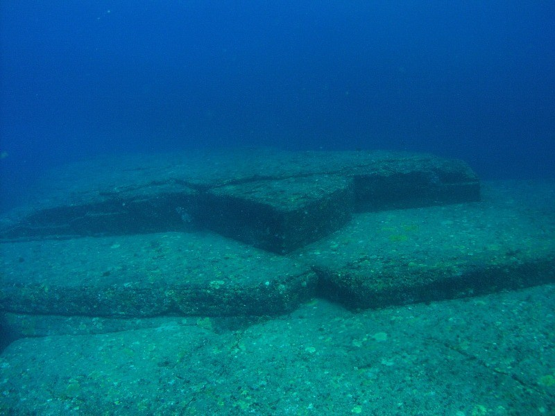 Одно из сооружений, названое «Черепахой». Подводный артефакт. Автор: Masahiro Kaji, CC BY-SA 4.0, https://commons.wikimedia.org/w/index.php?curid=3520798 OLYMPUS DIGITAL CAMERA