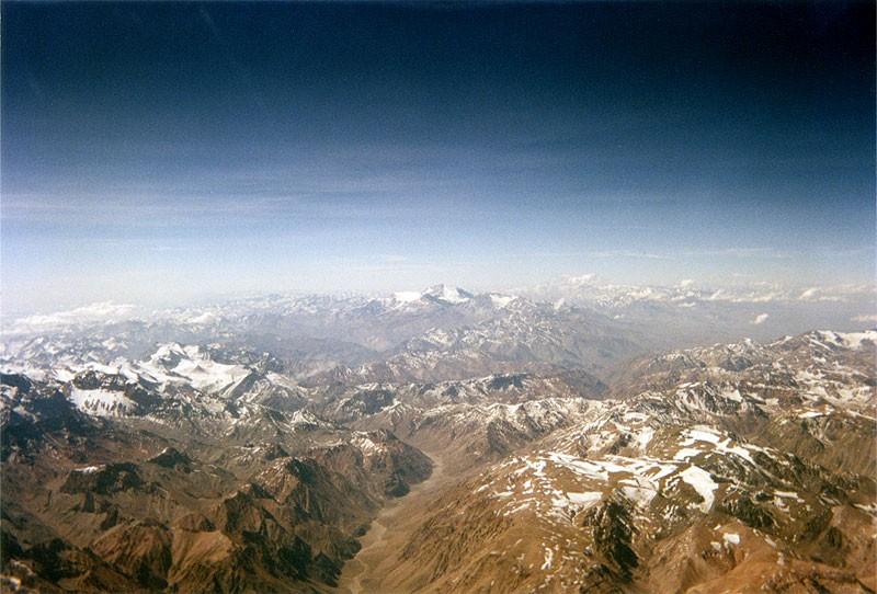 Анды близ границы Аргентины и Чили. Источник: https://commons.wikimedia.org
