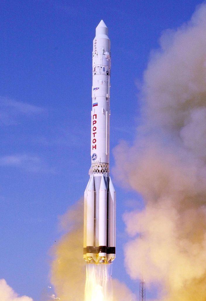 «Протон-К» выводит на орбиту модуль «Звезда» для МКС. Автор: NASA