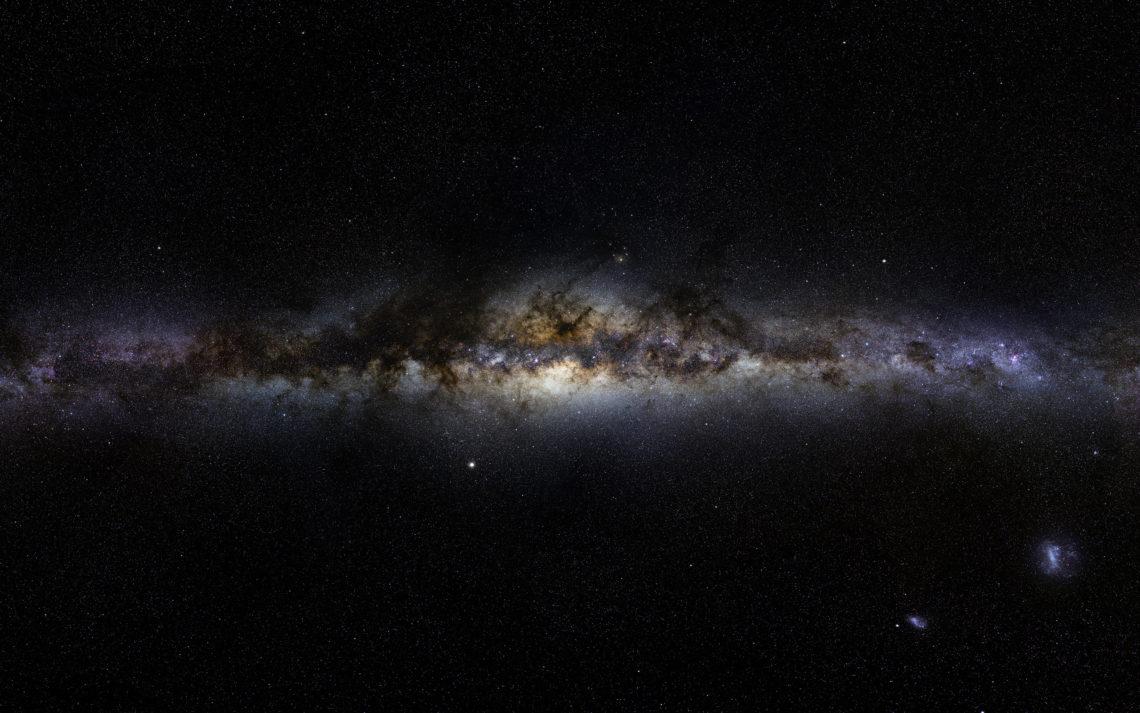 Млечный путь и звёзды в гало