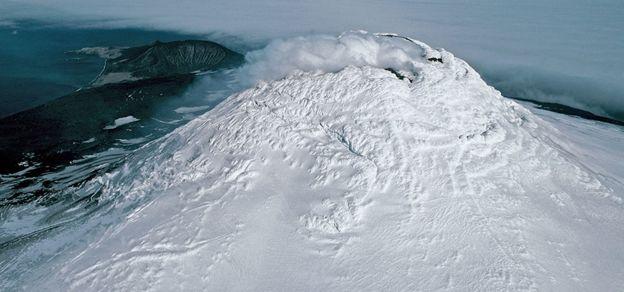 Майкл-Маунт и лавовое озеро