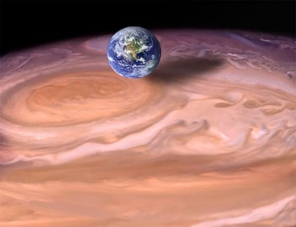 Земля по сравнению с Большим красным пятном