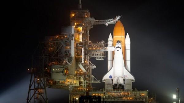 НАСА запуск шаттла