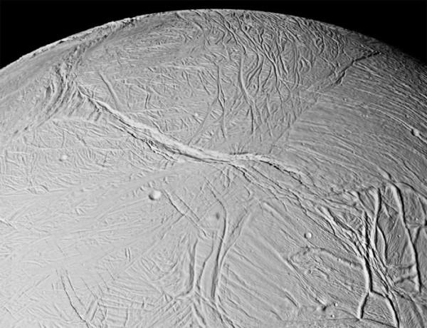 Энцелад — спутник Сатурна. Следы возможной жизни