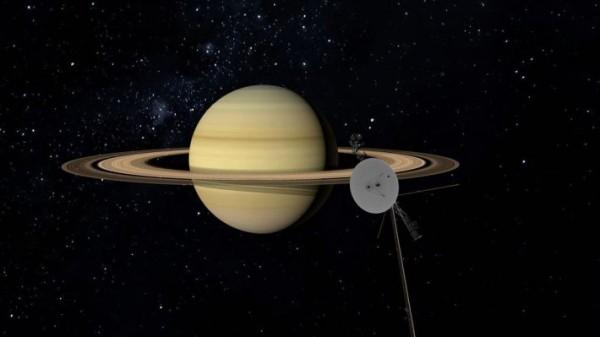 вояджер 2 у Сатурна